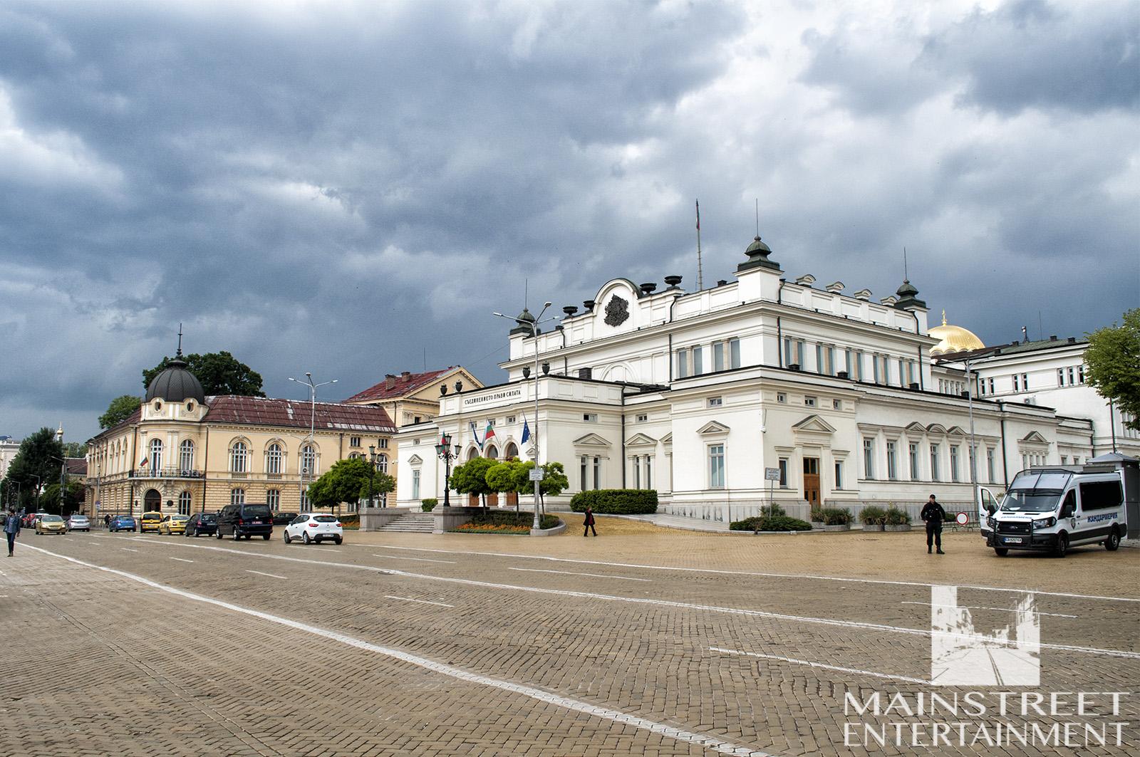 palais parliament film location period