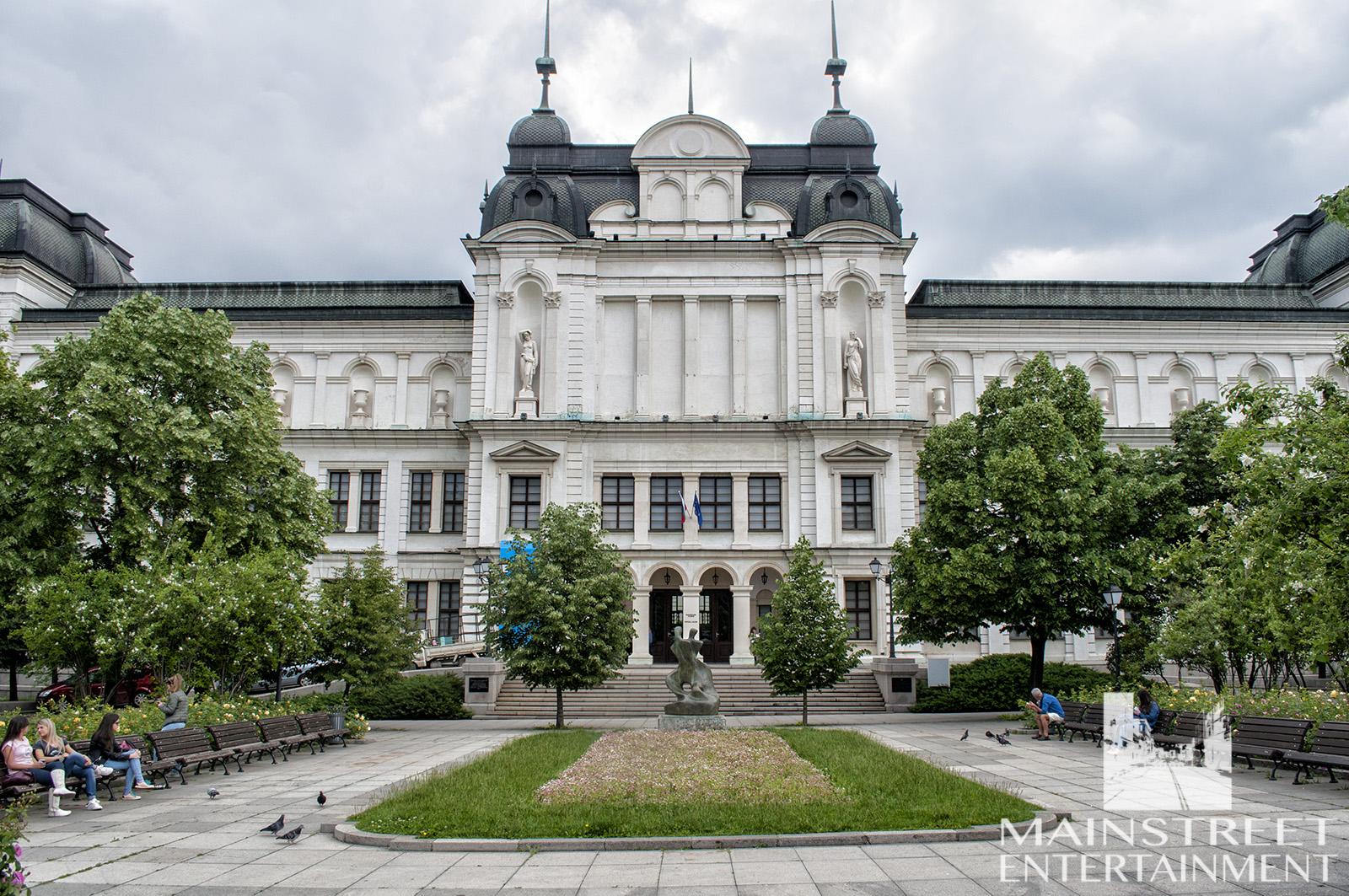 europe period art gallery museum location