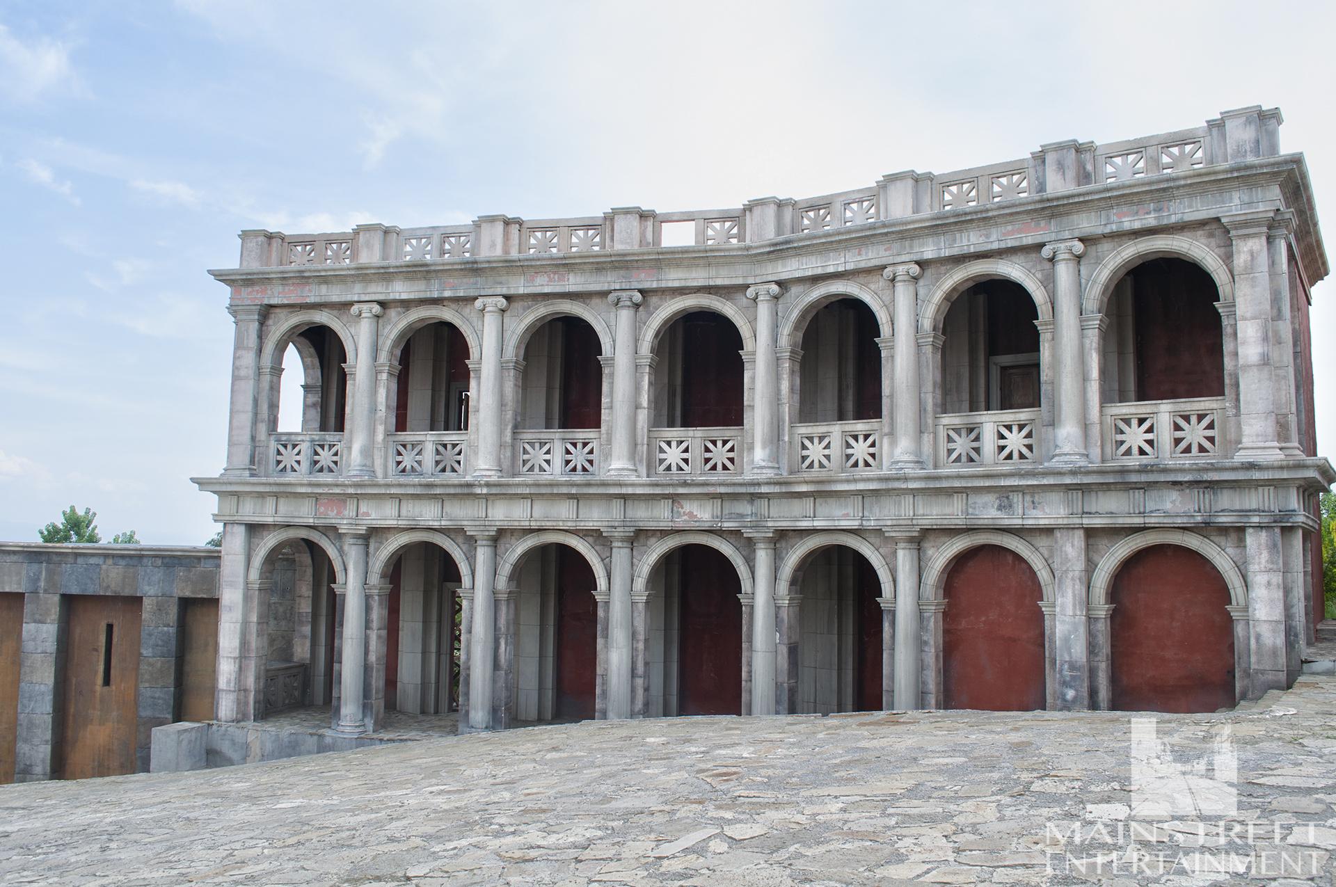 Roman set old building arches