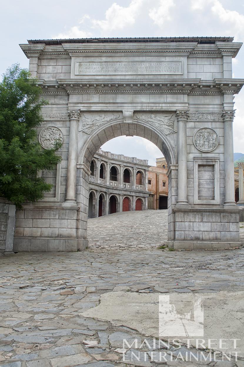 Ancient Rome set arch