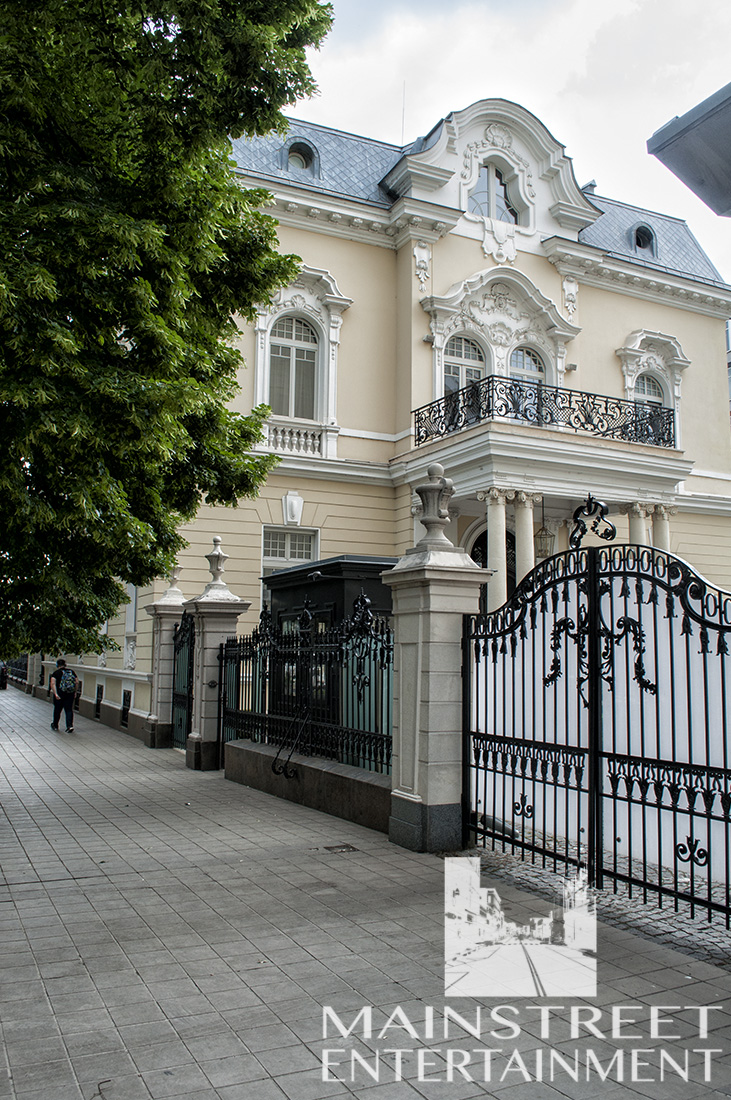 beautiful period mansion film location