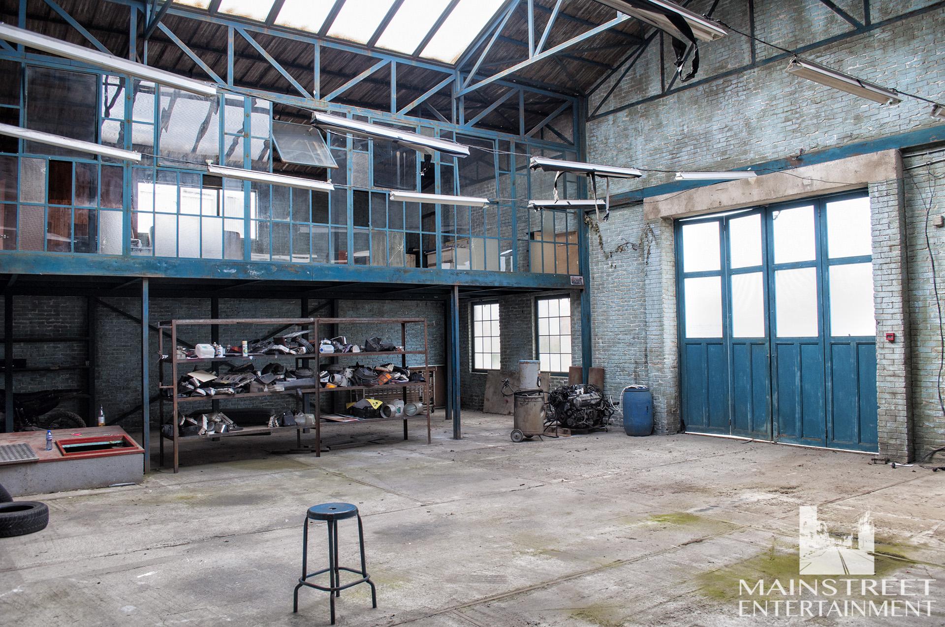 car shop practical interior backlot set