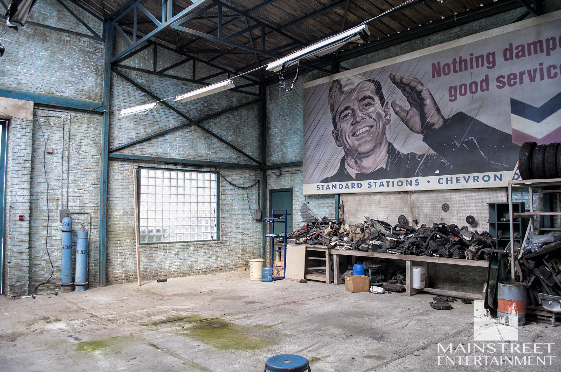 auto garage movie set