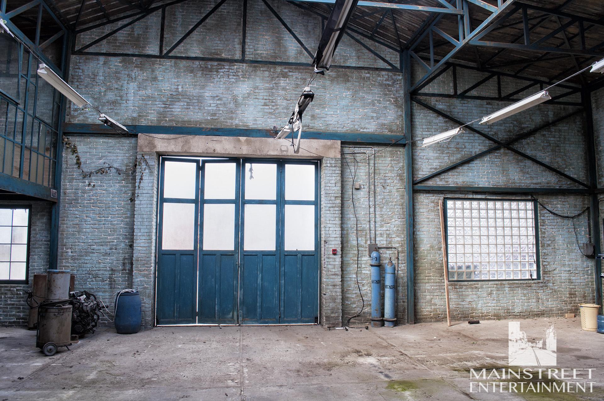 car garage interior film set