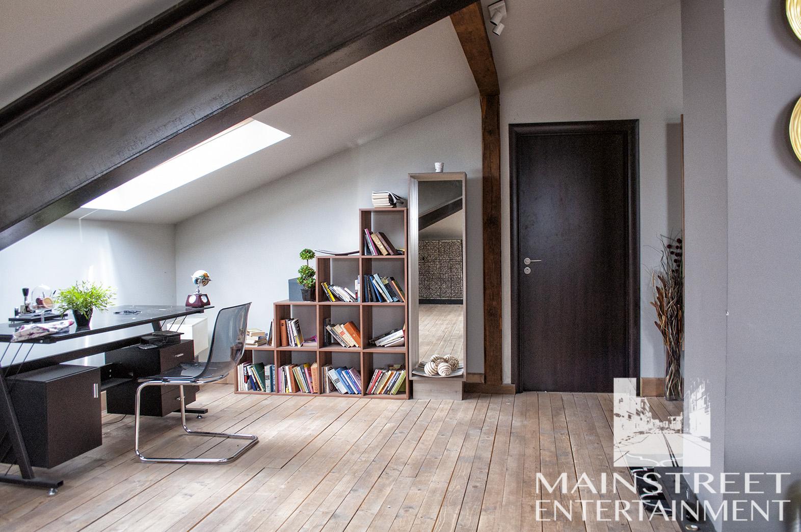 film practical set apartment study