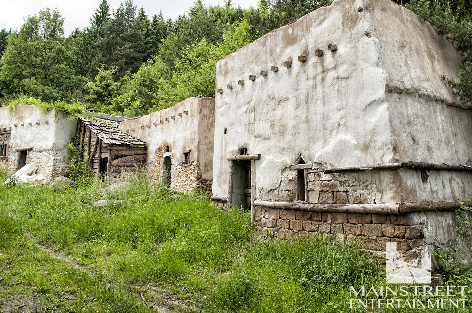 ancient roman village set