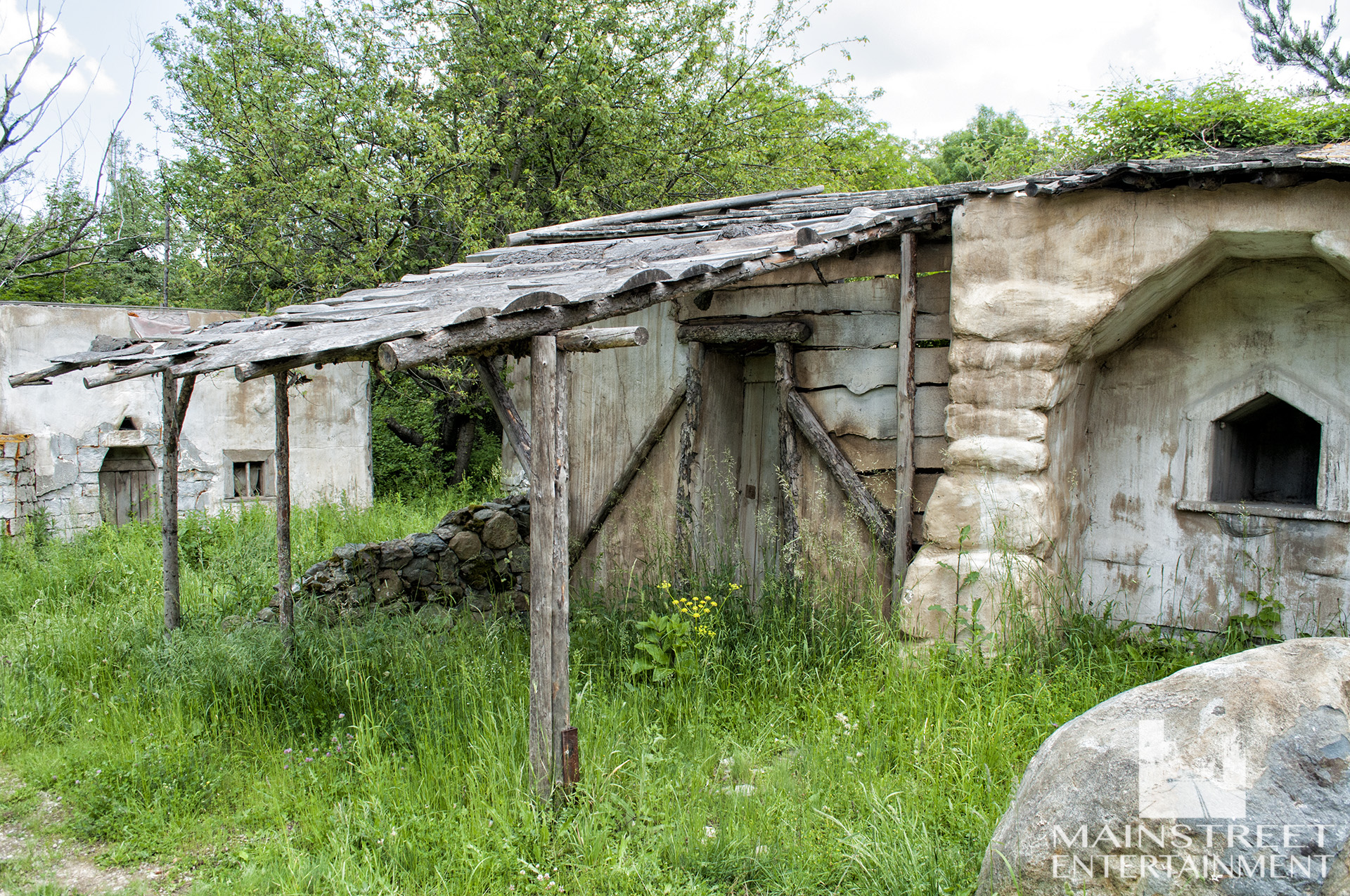ancient village standing set